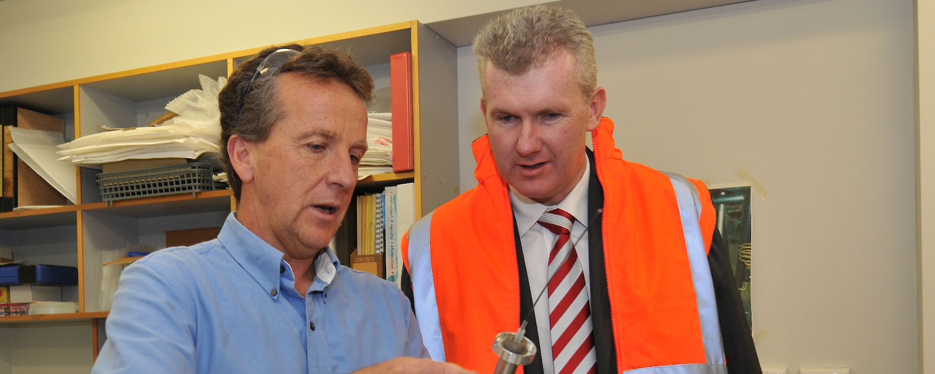 Dr Nick Gales with Environment Minister Tony Burke (Photo: Glenn Jacobson)