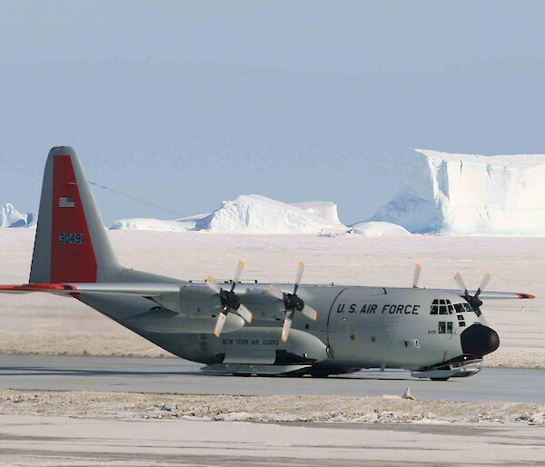 US C-130 Hercules aircraft on a sea-ice runway at Davis station