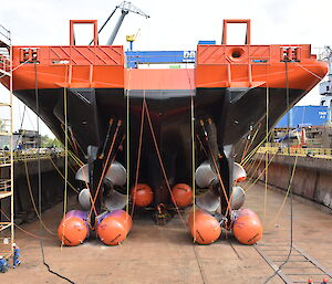 Buoyancy bags around the keels at the ship's stern.