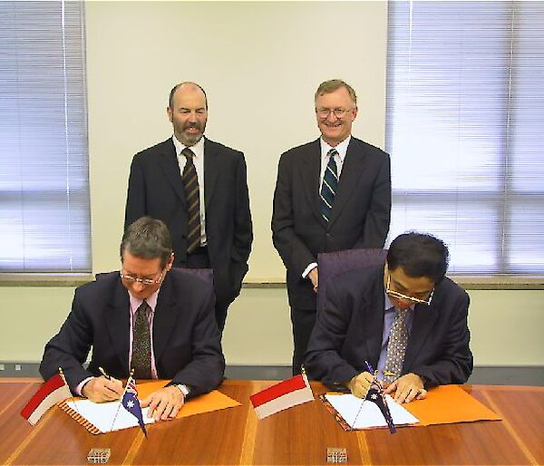 Signing cooperative agreement