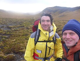 2 men on the trail to Sandell Bay