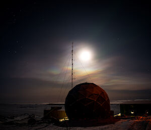 Nacreous clouds in the lower stratosphere illuminated by moonlight above Davis station