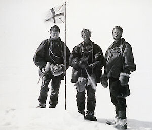 Alistair Forbes Mackay, T.W. Edgeworth David and Douglas Mawson arrive at the South Magnetic Pole, 16 January 1909.
